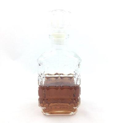Glazen whiskey karaf vierkant