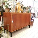 Vintage dressoir roldeur eeka | Sprinkel + Hop
