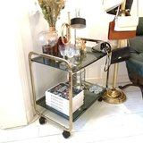 Vintage goudkleurige bar cart trolley serveerwagen | Sprinkel + Hop