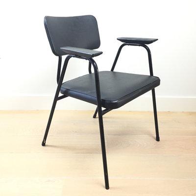 Jaren 60 stoel zwart Pierre Guariche voor Meurop