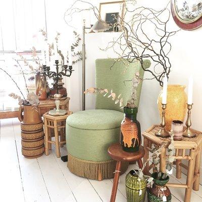 Vintage stoel opberg naaipoef groen