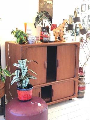 Teak tv meubel wieltjes Deens Design Dyrlund