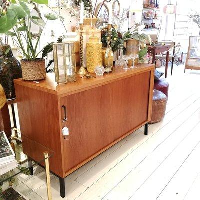 Vintage dressoir roldeur Eeka