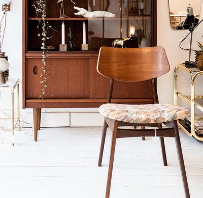 Vintage houten stoel stoffen zitting