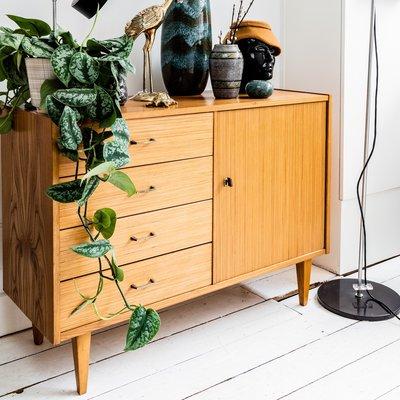 Vintage houten klein dressoir kastje