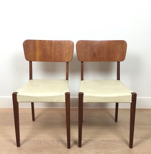 Vintage teak houten stoelen wit skai | Sprinkel + Hop