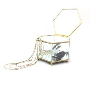 Messing hexagon pronkdoosje geslepen glas | Sprinkel + Hop