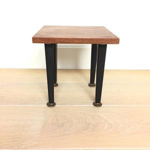 Vintage houten bijzettafeltje vierkant | Sprinkel + Hop
